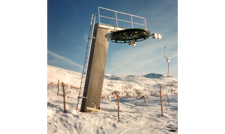 Skilifts (2)